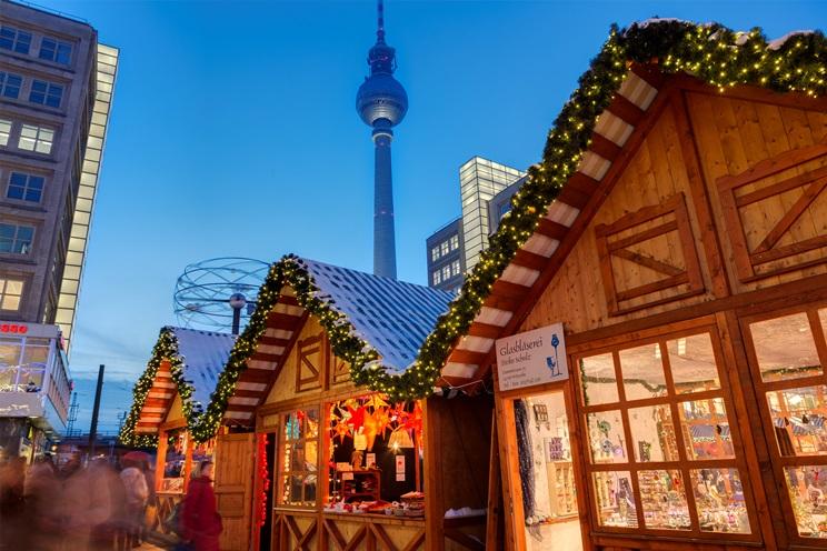 Weihnachtsmarkt am Alexanderplatz Foto: Visit Berlin-Wolfgang Scholvien